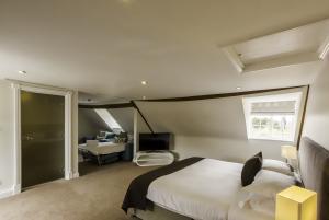 Extra beds in Hideaway